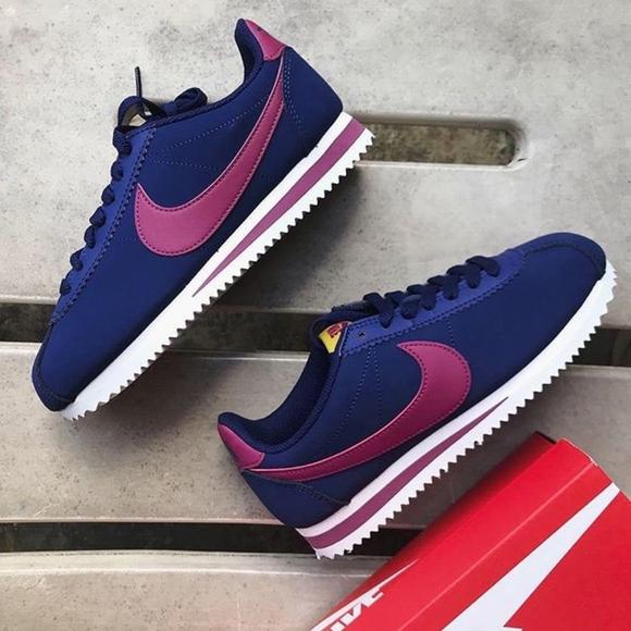 Nike Cortez Classic Womens 7.5 NWT